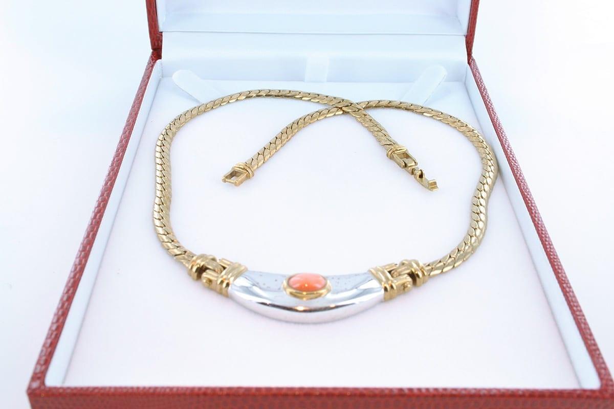 Collier en corail rose et plaqué or 002