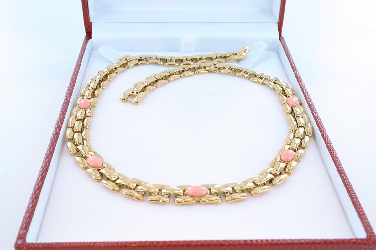 Collier en corail rose et plaqué or 004