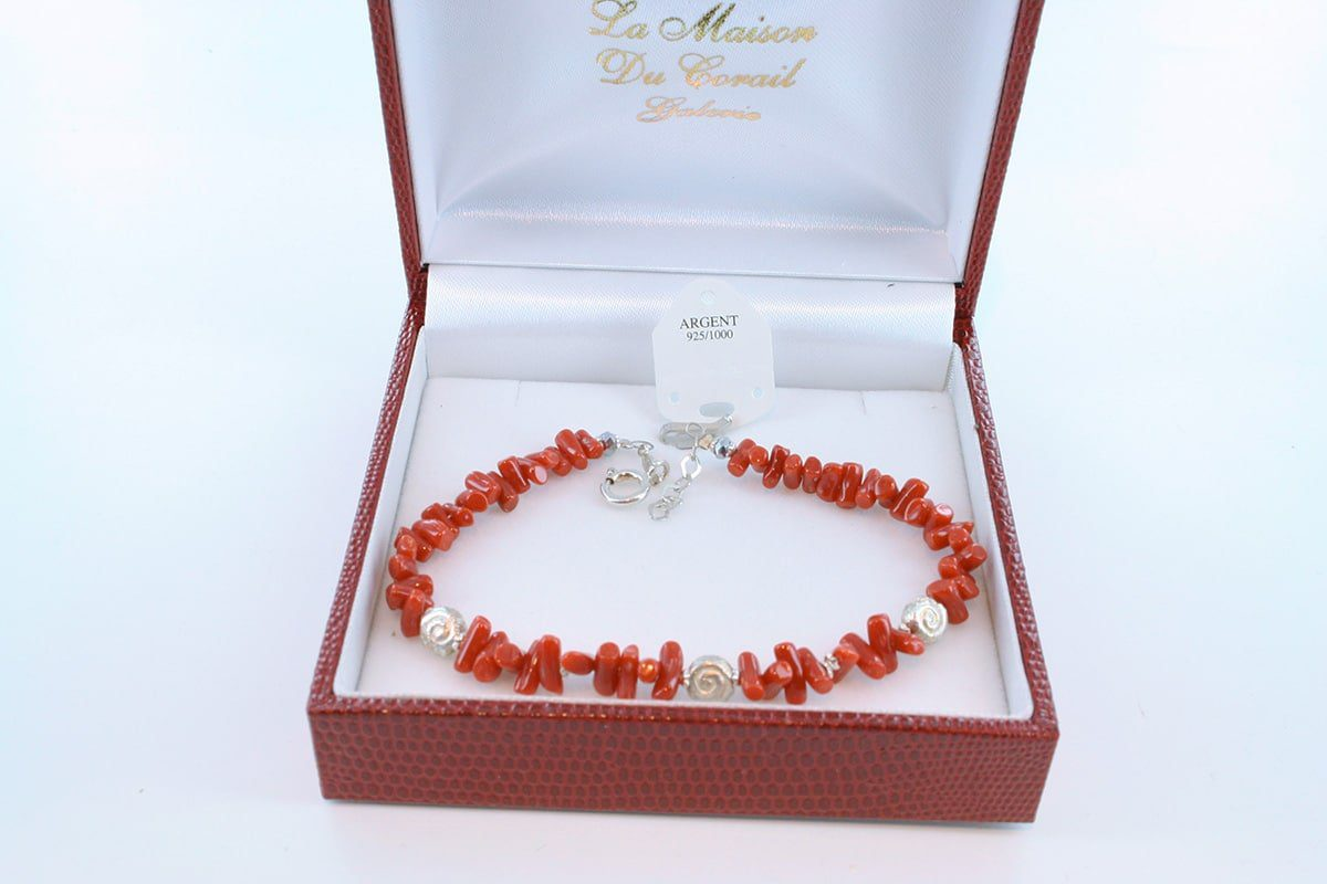 Bracelet en corail rouge véritable de Méditerranée et argent 925 par 1000 BR-CO-AR-027