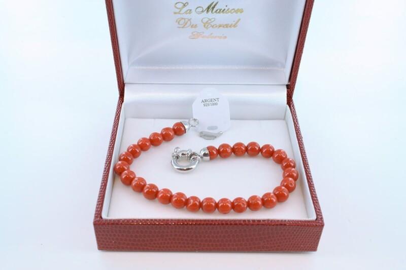 Bracelet en corail rouge véritable de Méditerranée et argent 925 par 1000 BR-CO-AR-035