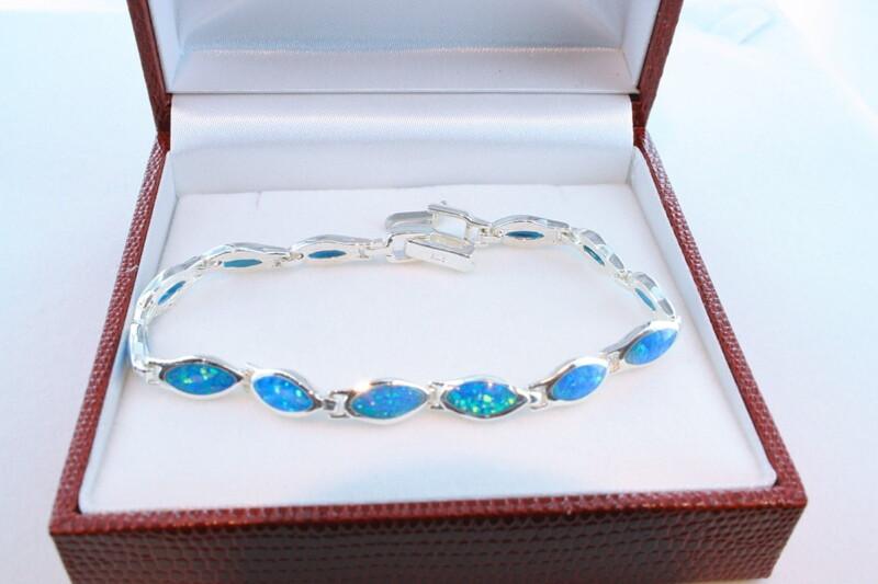bracelet en opale et argent 925 par 1000 BR-OP-BL-001