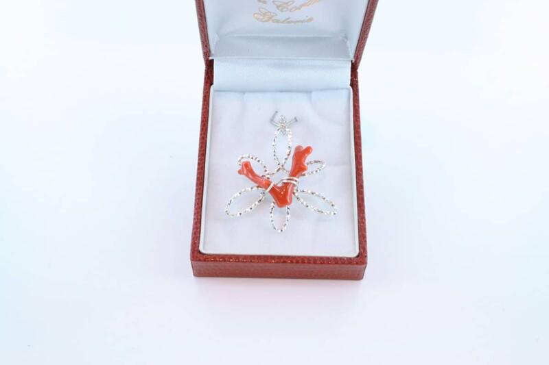 pendentif en corail rouge et argent 925 par 1000 PE-CO-AR-009