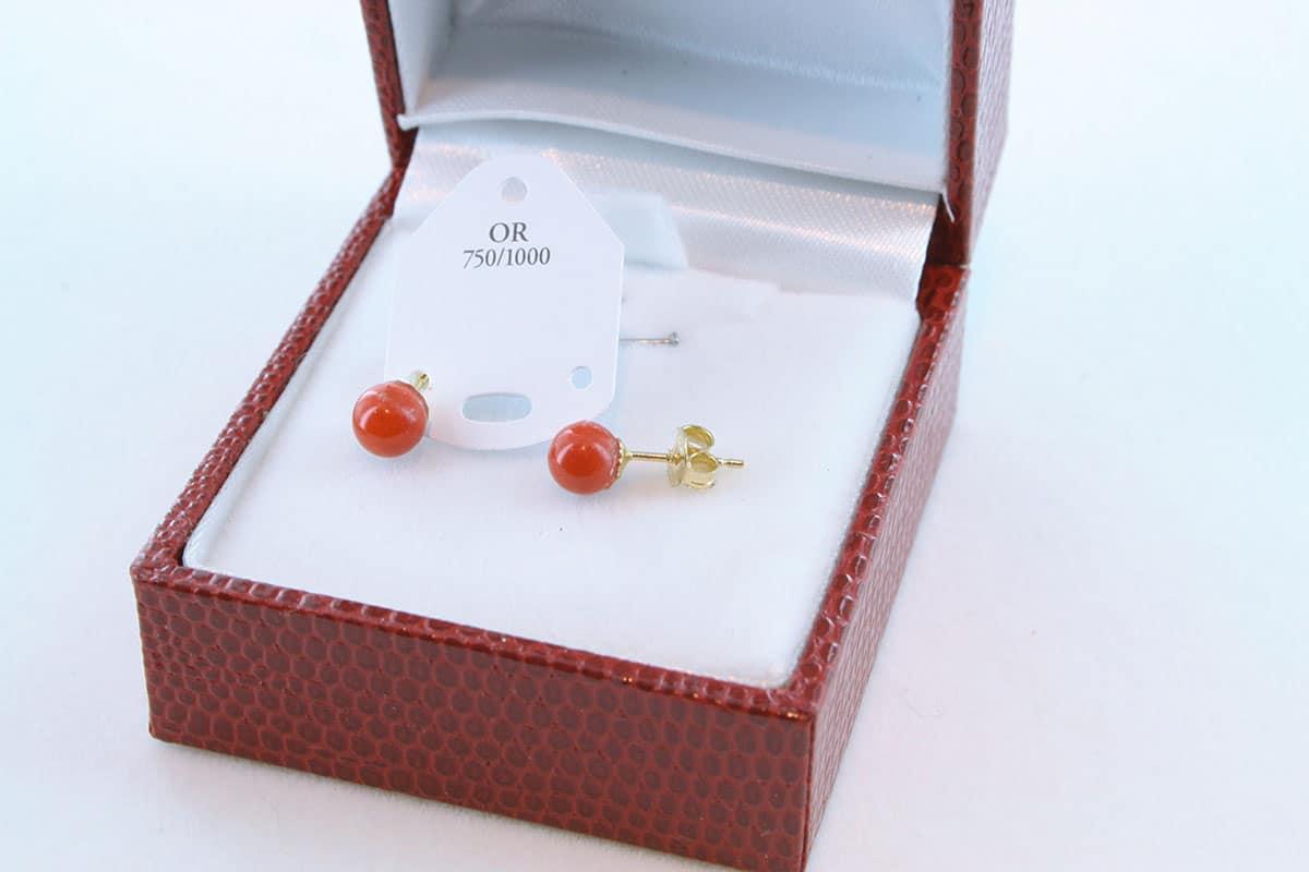 boucles d'oreilles en corail rouge et or 750 par 1000 BO-CO-OR-011