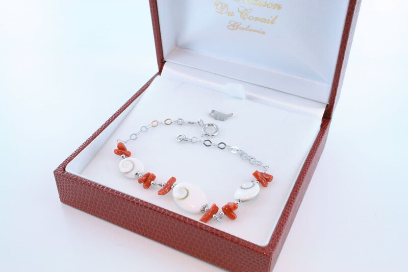 Bracelet en corail rouge véritable de Méditerranée et argent 925 par 1000 BR-CO-AR-057