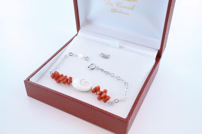 Bracelet en corail rouge véritable de Méditerranée et argent 925 par 1000 BR-CO-AR-058