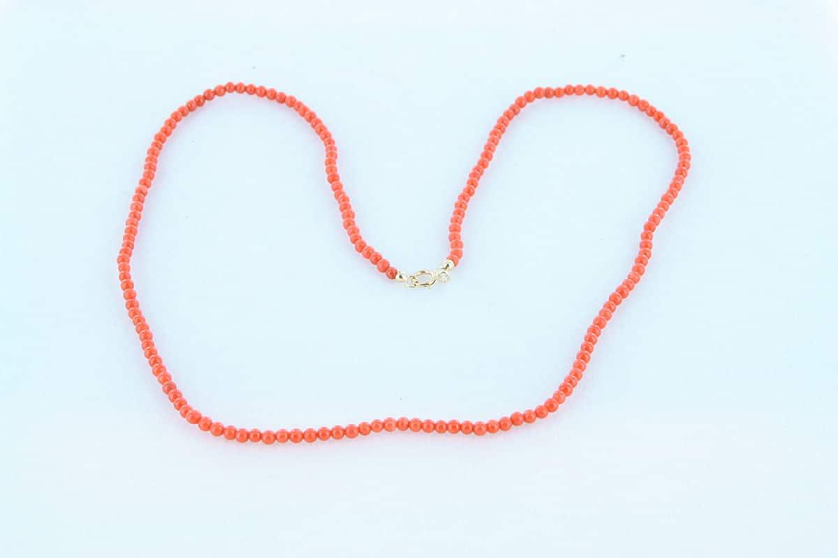 Collier en corail rouge et or 750 par 1000 CO-CO-OR-001