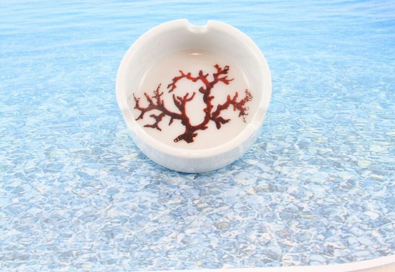 Cendrier en porcelaine blanche décor corail PO-BL-CO-003 corail PO-BL-CO-006