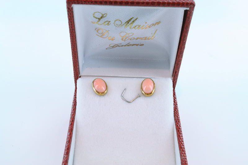 Boucles oreilles en corail rose et plaque or BO-CO-RO-004