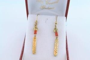 Boucles oreilles en corail rose et plaque or BO-Boucles oreilles en corail rose et plaque or BO-CO-RO-010