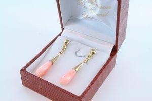 Boucles oreilles en corail rose et plaque or BO-Boucles oreilles en corail rose et plaque or BO-CO-RO-013