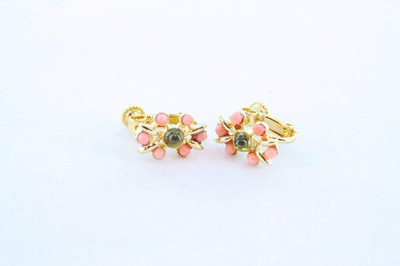 Boucles oreilles en corail rose et plaque or BO-CO-RO-023