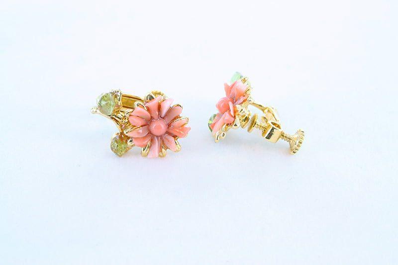 Boucles oreilles en corail rose et plaque or BO-CO-RO-026