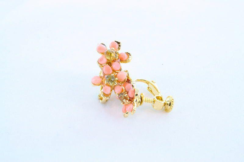 Boucles oreilles en corail rose et plaque or BO-CO-RO-028