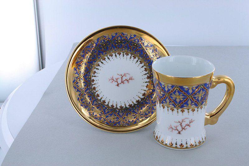 petite tasse a cafe en porcelaine bleue et décor corail PO-BLE-CO-008