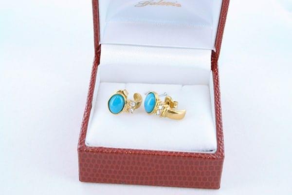 Boucles d'Oreilles en Turquoise Véritable et Plaque or 021