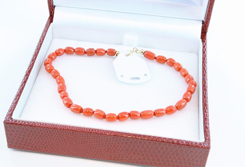 Bracelet en corail rouge et or 010