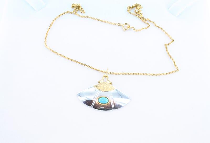 collier en turquoise et plaque or 006
