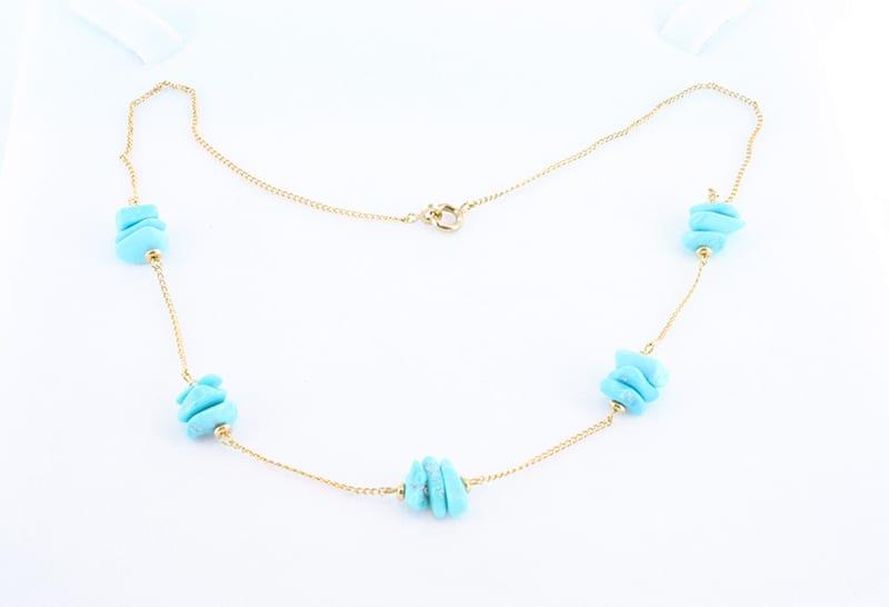 collier en turquoise et plaque or 015