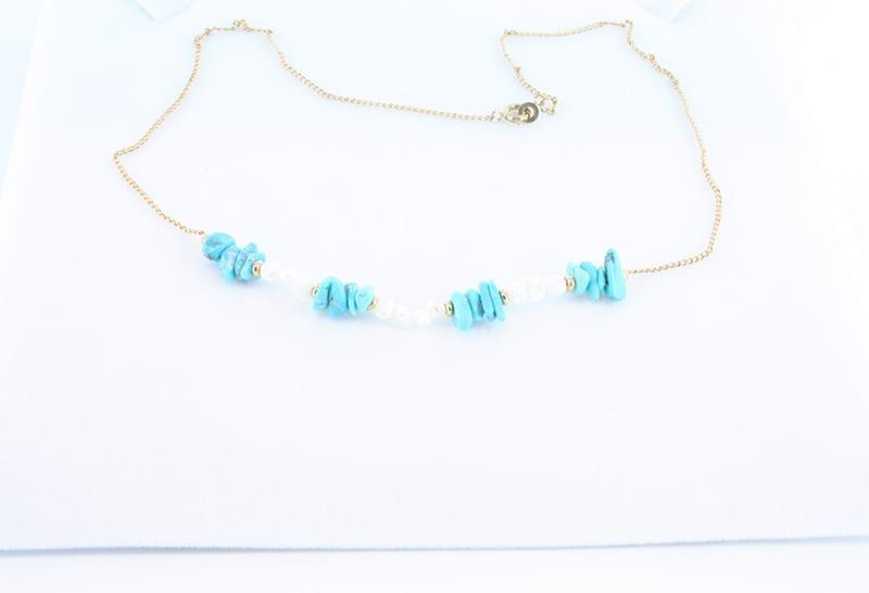 collier en turquoise et plaque or 017