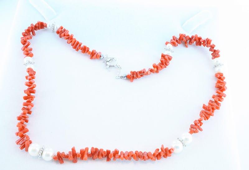 Collier en corail rouge et argent 029