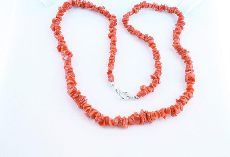 Collier en corail rouge et argent 033