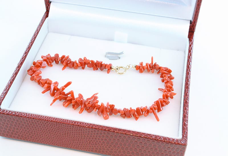 Bracelet en corail rouge et or 012
