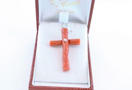 pendentif croix en corail rouge et argent 031