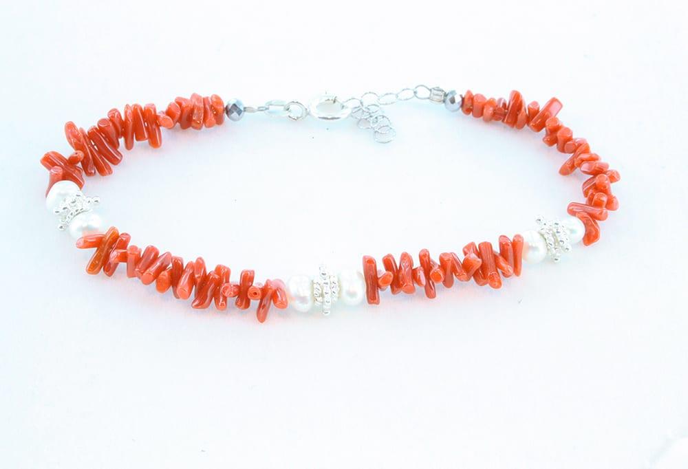 Bracelet en corail rouge et perles 060