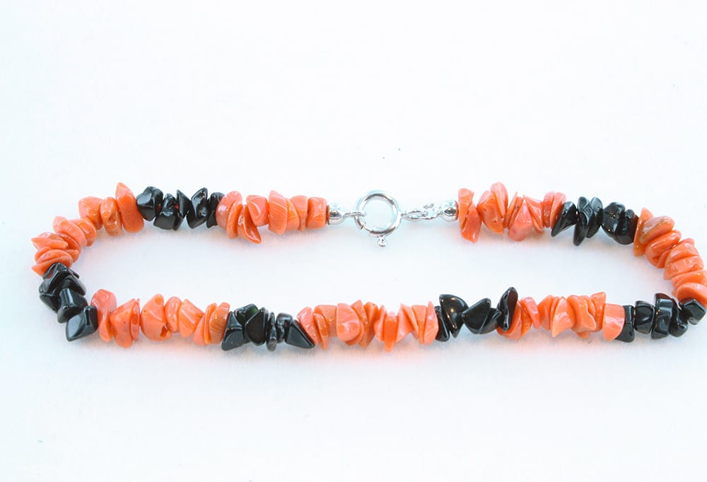 Bracelet corail rouge et onyx 065