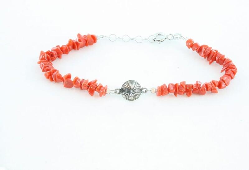 Bracelet en corail rouge pour enfant 084