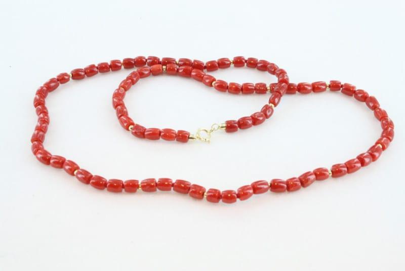 Collier en corail rouge de premier et or CO-CO-OR-012
