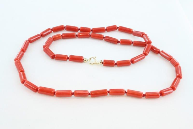 Collier en corail rouge de premier et or CO-CO-OR-016